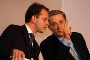 Dos años de Duque: la extradición de Arias y la cárcel para Uribe